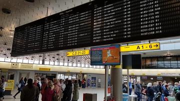 Anzeigentafel im Flughafen - wo wollen wir hin?©LFV Stolzenau