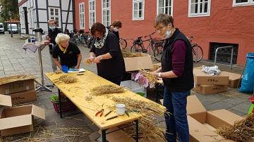 Teamarbeit zum Binden©LFV Stolzenau